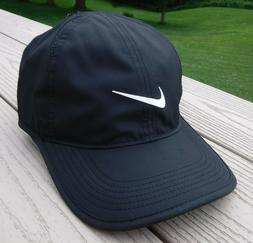 NIKE Unisex AeroBill Featherlight Cap, Black/Black/White, On
