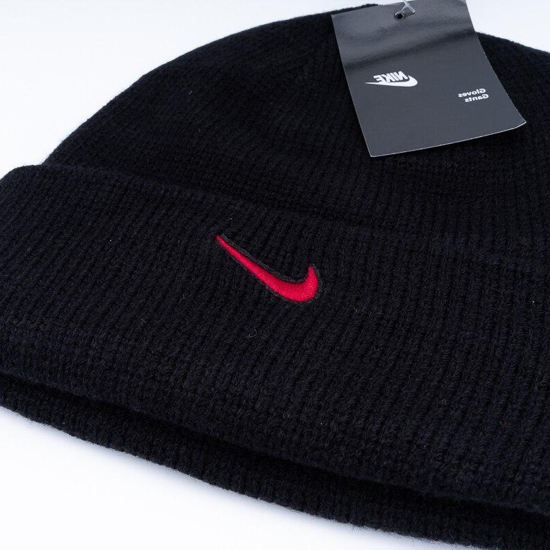 <font><b>Nike</b></font> Man Running <font><b>Hat</b></font> Sports Football